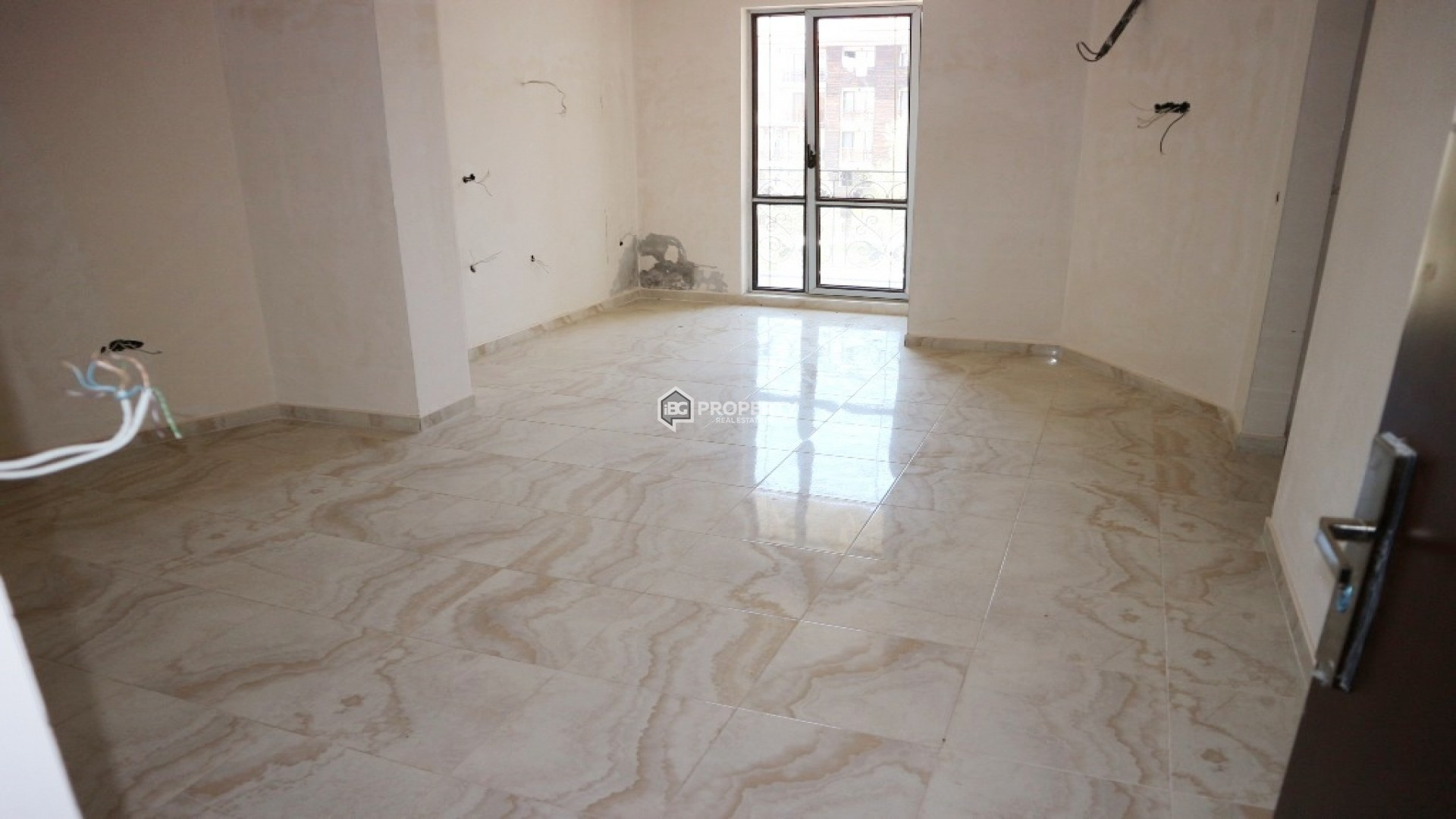 Тристаен апартамент в Слънчев Бряг 82 м2