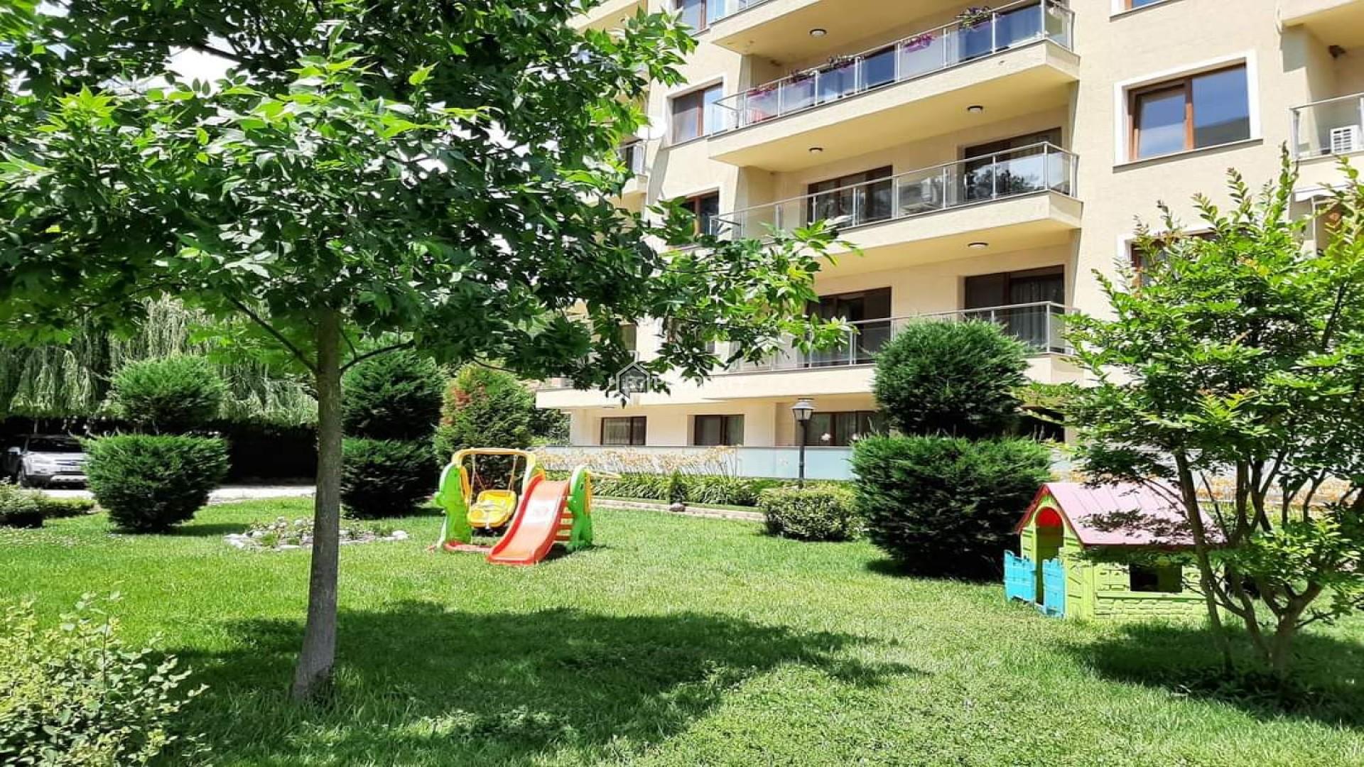 Двустаен апартамент  Св.Св.Константин и Елена 82 m2