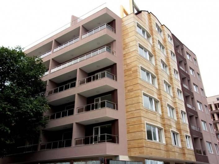 Четиристаен апартамент Левски Варна 97 m2