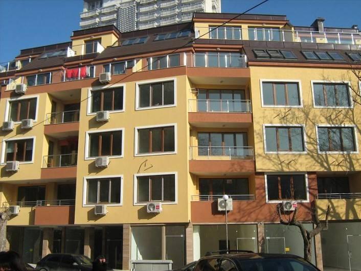 Tристаен апартамент Гръцка Махала Варна  112 m2