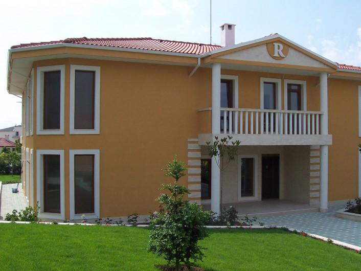Къща Бяла   487 m2