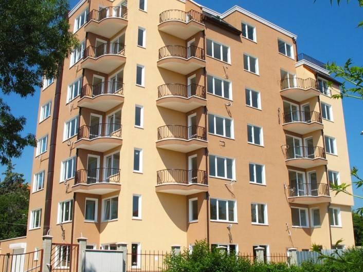 Tристаен апартамент Св. Св. Константин и Елена 88 m2