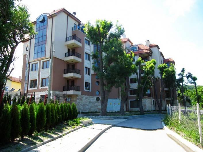 Двустаен апартамент Златни пясъци 67 m2