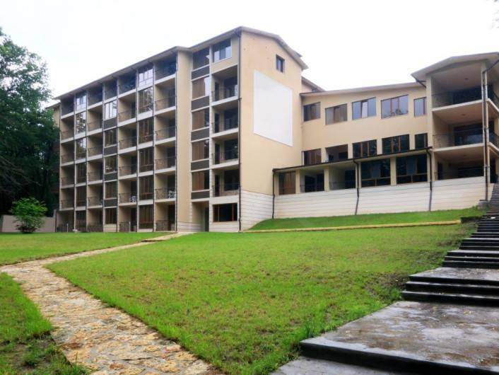 Tристаен апартамент Златни пясъци 98 m2