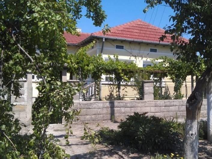 Къща Преселенци 100 m2
