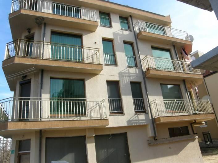 Двустаен апартамент Черно море Несебър 76 m2
