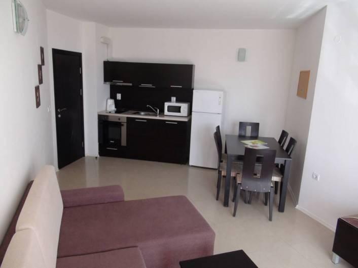 Tристаен апартамент Сарафово Бургас  105 m2