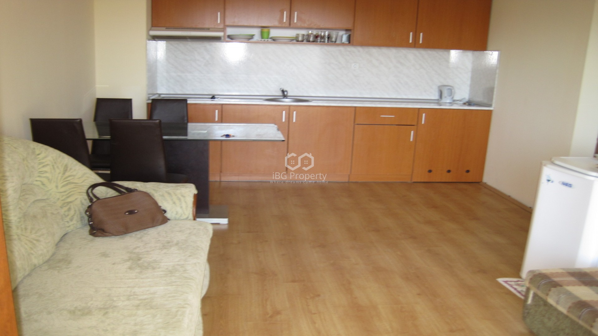 Двустаен апартамент Слънчев Бряг 65 m2
