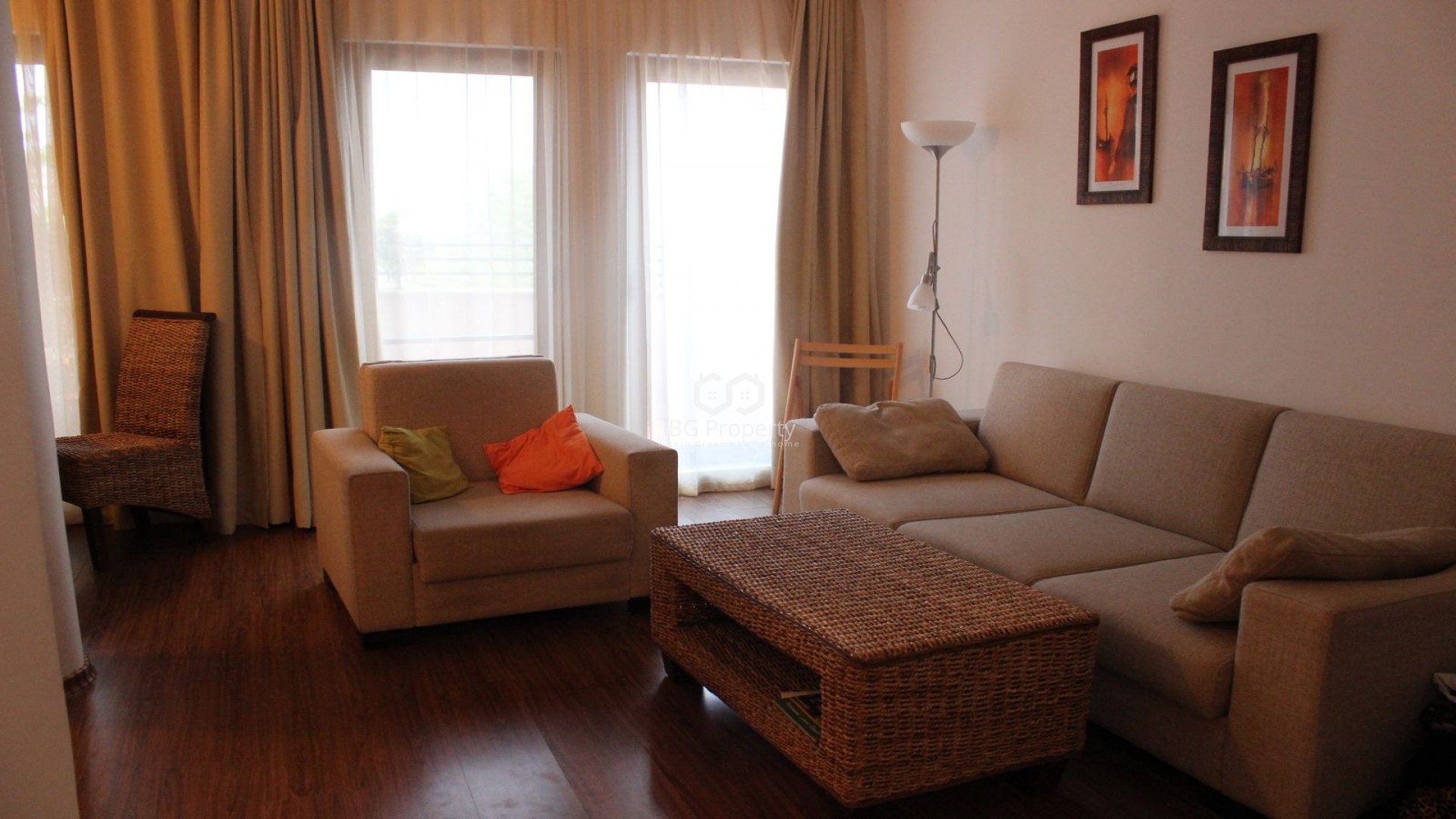 Tристаен апартамент Ахелой  91 m2