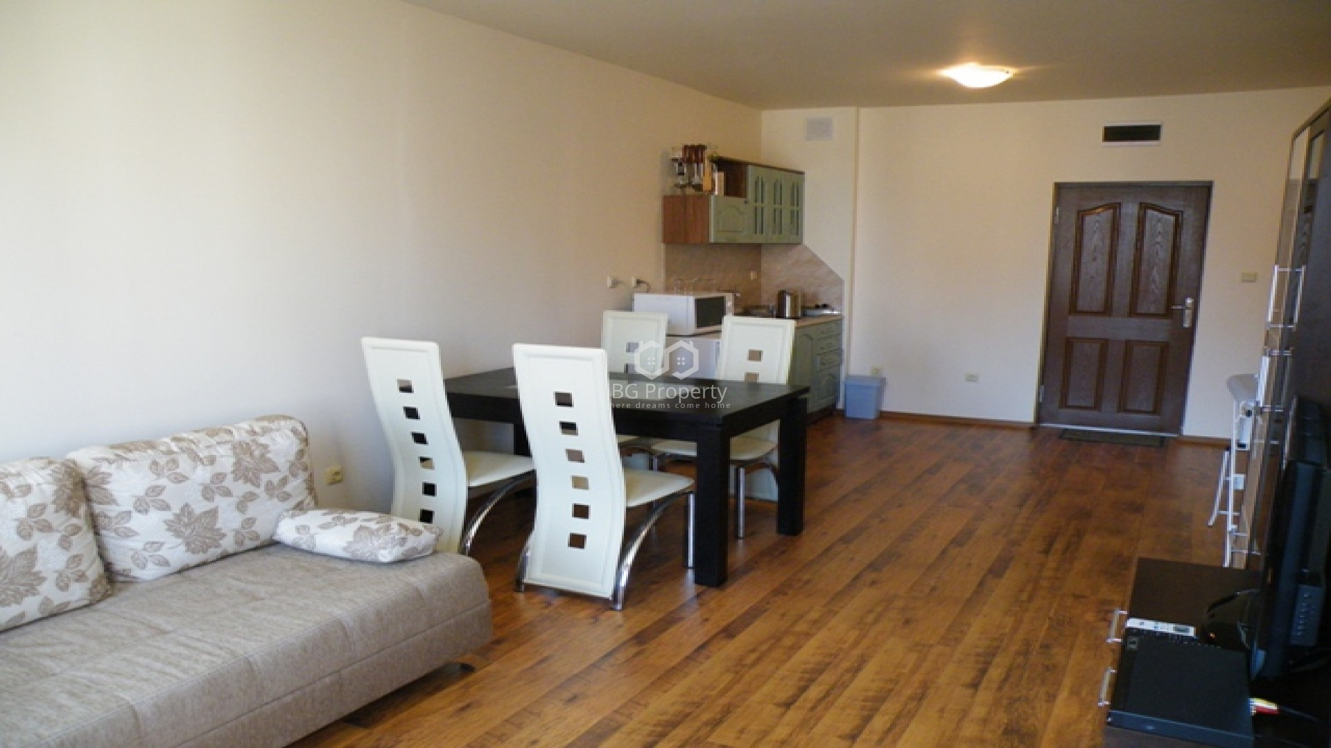 Двустаен апартамент Свети Влас  73 m2