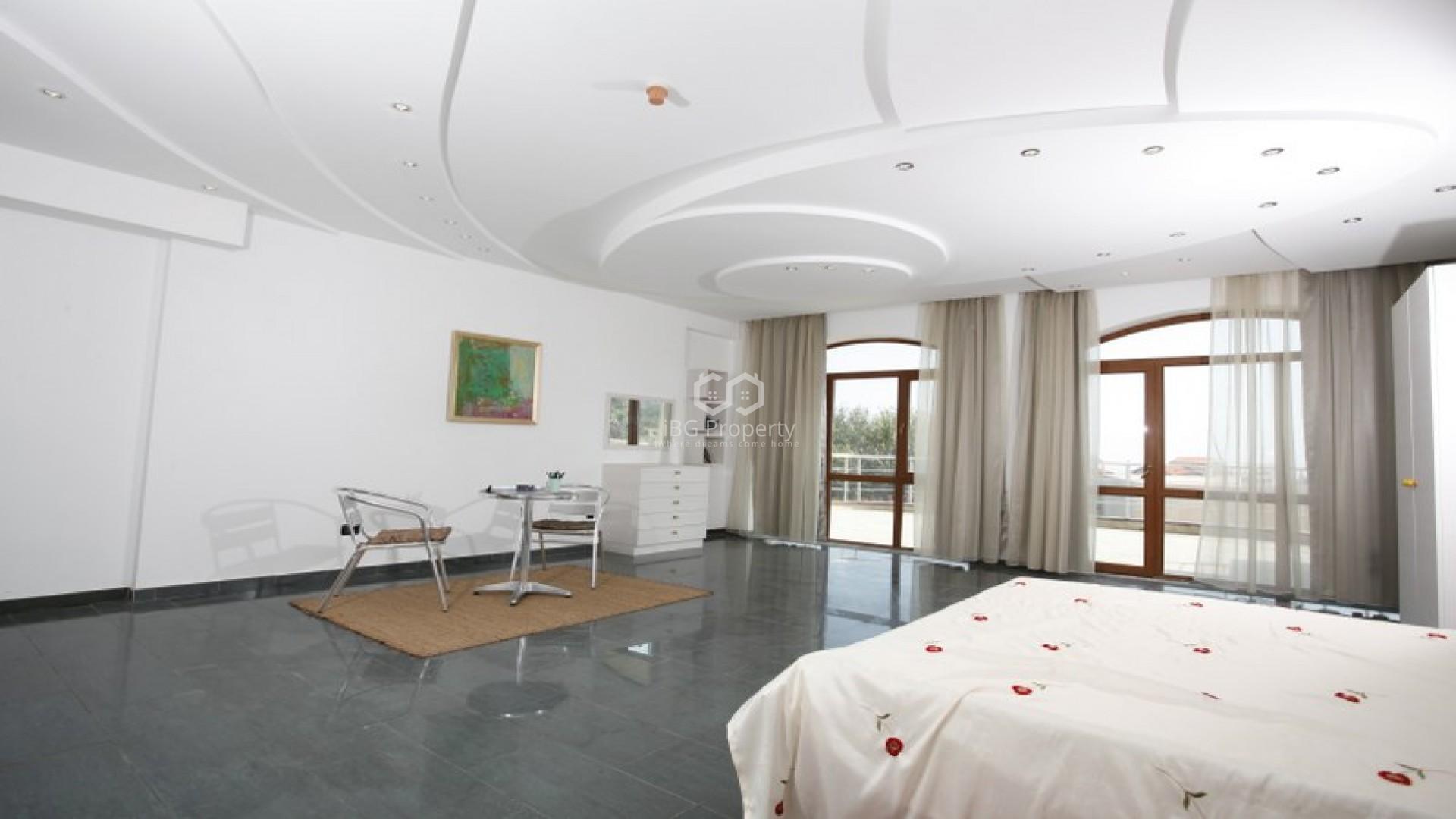 ЕКСКЛУЗИВНО ПРЕДЛОЖЕНИЕ! Двустаен апартамент Бяла  91 m2