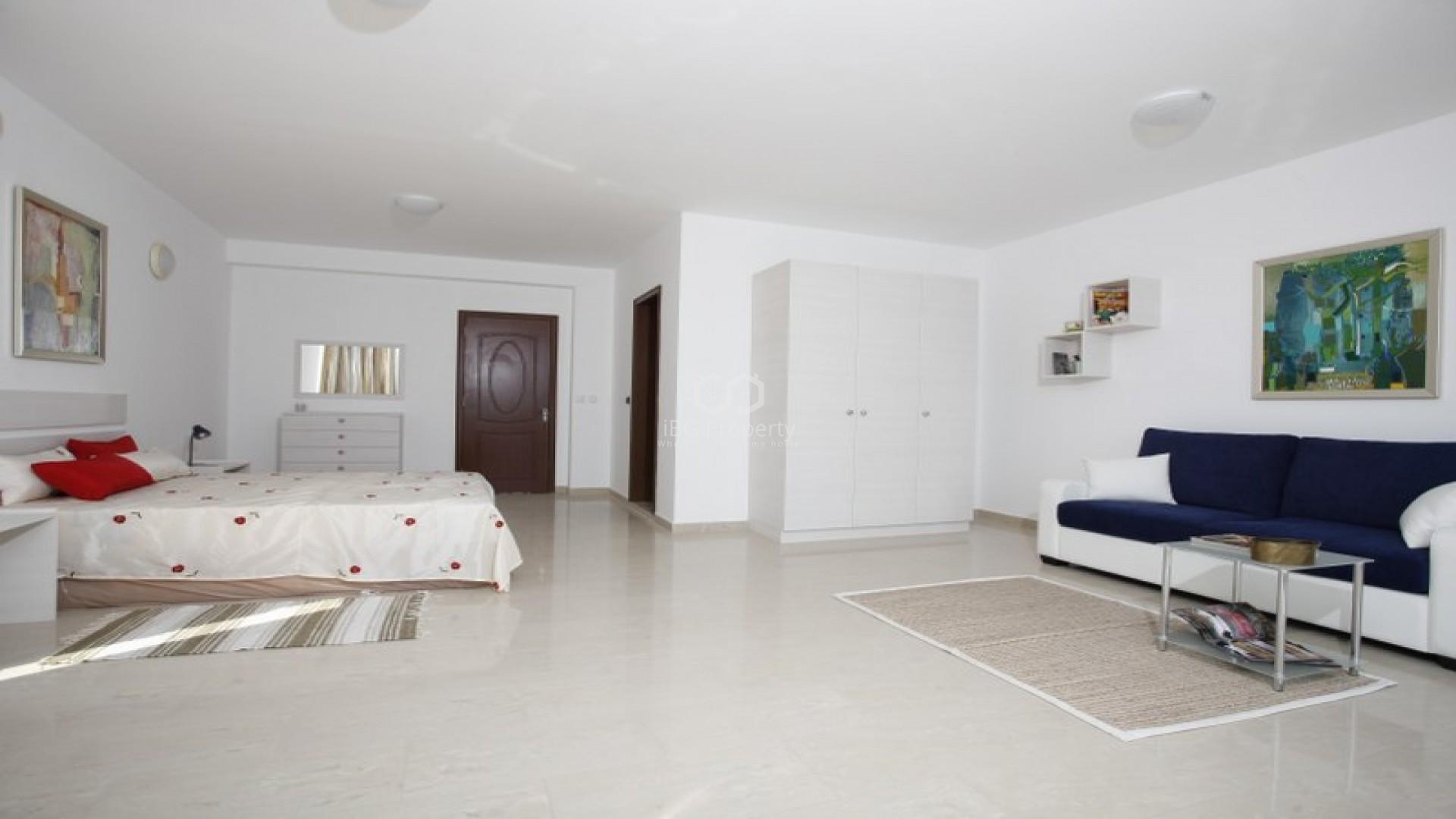 ЕКСКЛУЗИВНО ПРЕДЛОЖЕНИЕ! Двустаен апартамент Бяла  77 m2